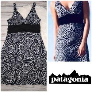 PATAGONIA BLACK WHITE FLORAL SLEEVELESS DRESS L